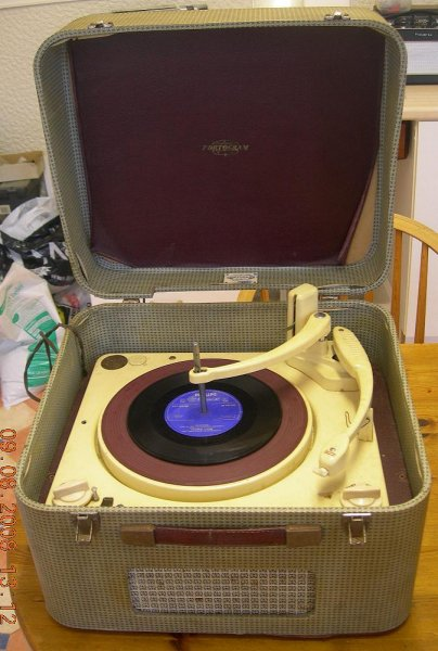 Reviving your old record player  - UK Vintage Radio Repair